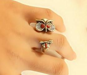 Retro Red Rhinestone Owl Ring, Size 6.5